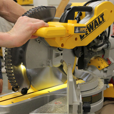 Dewalt Dws780 Xps 240v Slide Mitre Saw With De7023 Work